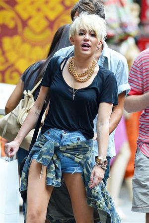 Miley Cyrus - Out shopping in New York City August 23, 2012