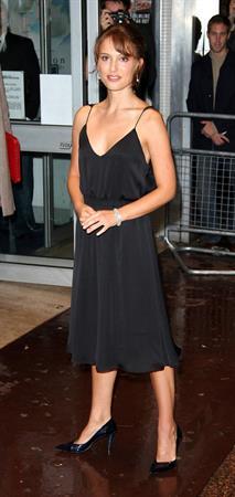 """Natalie Portman – """"Garden State"""" UK Premiere 8/23/04"""