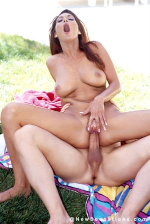 Tera Patrick fucked outside on some towels