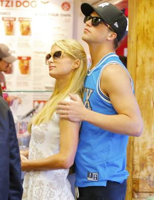 Paris Hilton Shopping at the Grove April 3, 2013