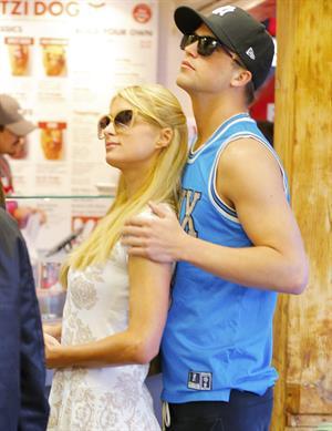 Paris Hilton Shopping at the Grove April 3, 2013