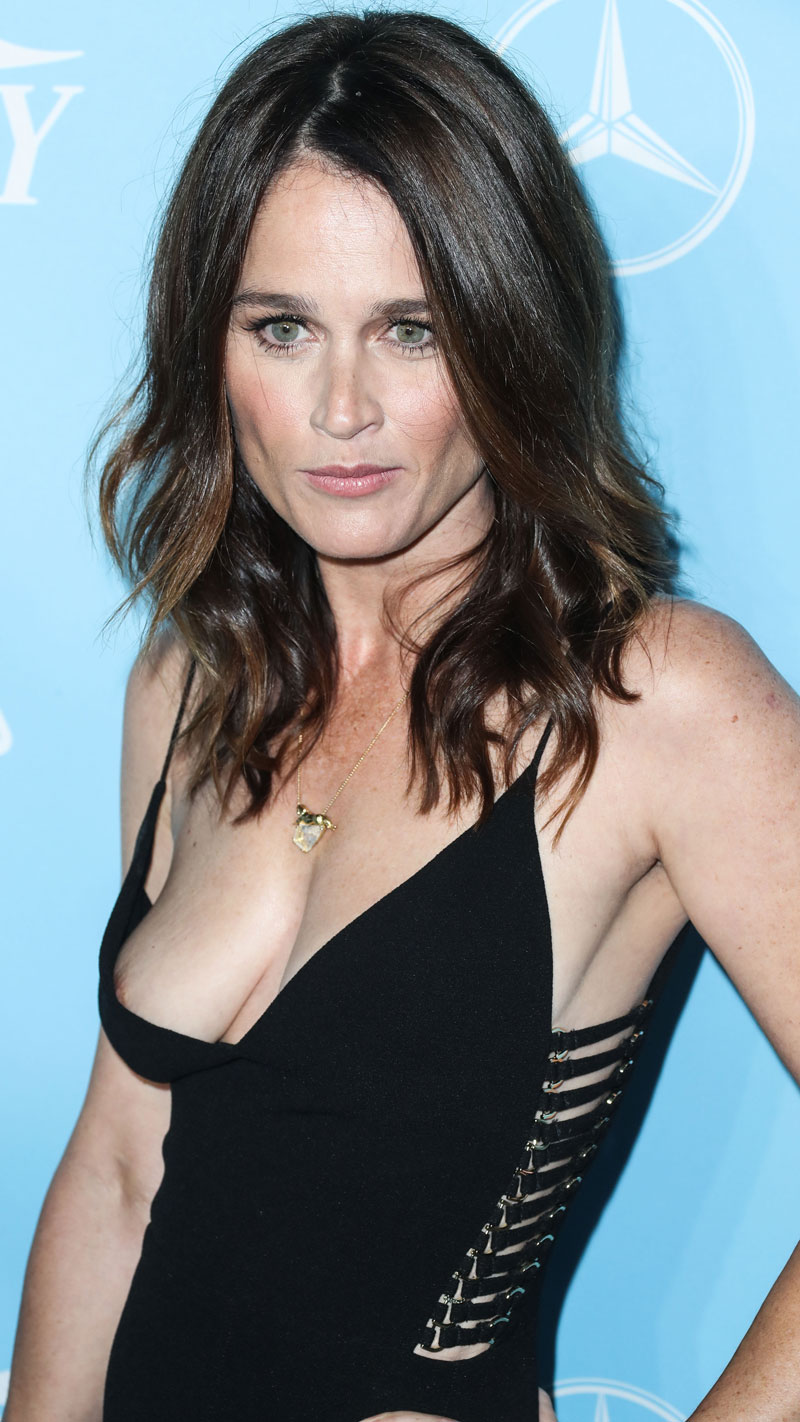 Robin Tunney - breasts