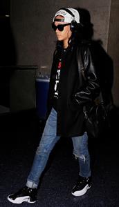 Rihanna Arrives back in Los Angeles after a flight form New York City June 3, 2012