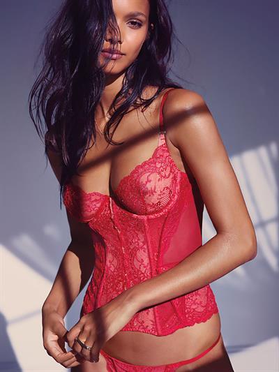 Lais Ribeiro in lingerie