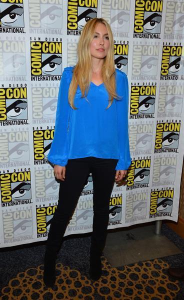 Sarah Carter -  Falling Skies  Press Room at Comic-Con 2012 in San Diego (13 Jul 2012)