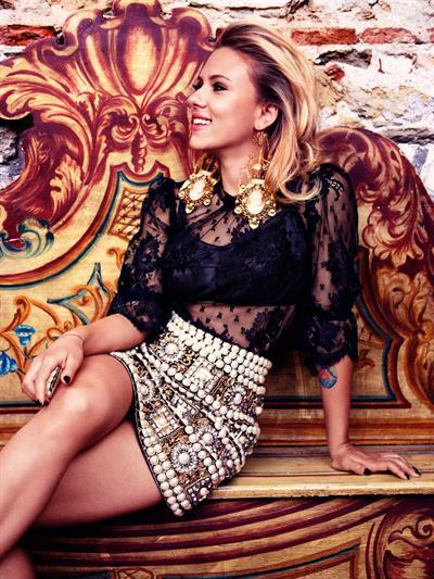 Scarlett Johansson - Victor Demarchelier Photoshoot For Vogue October 2012