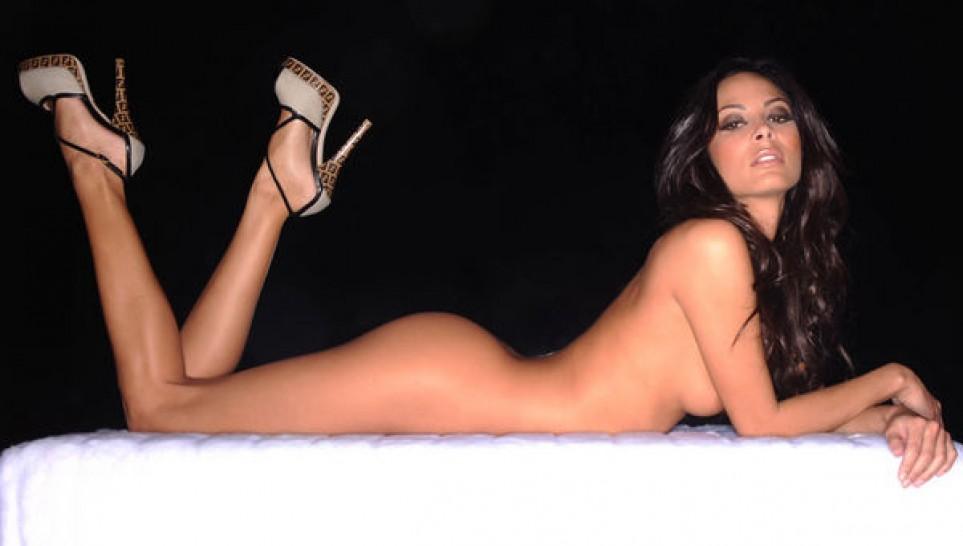 donna-bondage-kenda-perez-nude