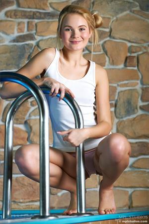 Talia blonde enjoying a hot tub