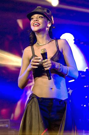 Rihanna Performing during 777 Tour in Mexico City November 14, 2012