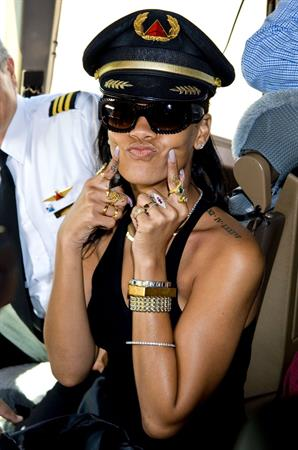 Rihanna Kicks off 777 Tour in L.A. (November 14, 2012)
