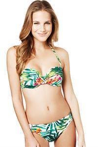 Janini Milet in a bikini