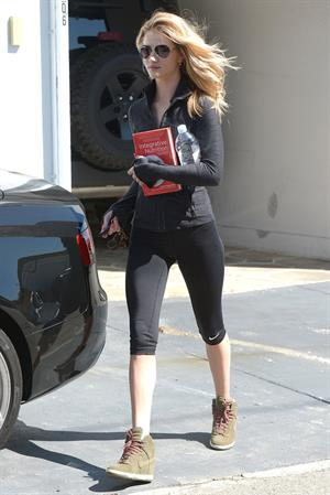 Rosie Huntington-Whiteley out and about in LA 3/13/13