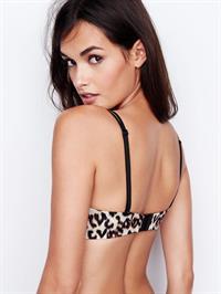 Gizele Oliveira in lingerie