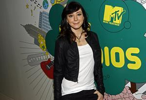 Alyson Hannigan on MTV's TRL
