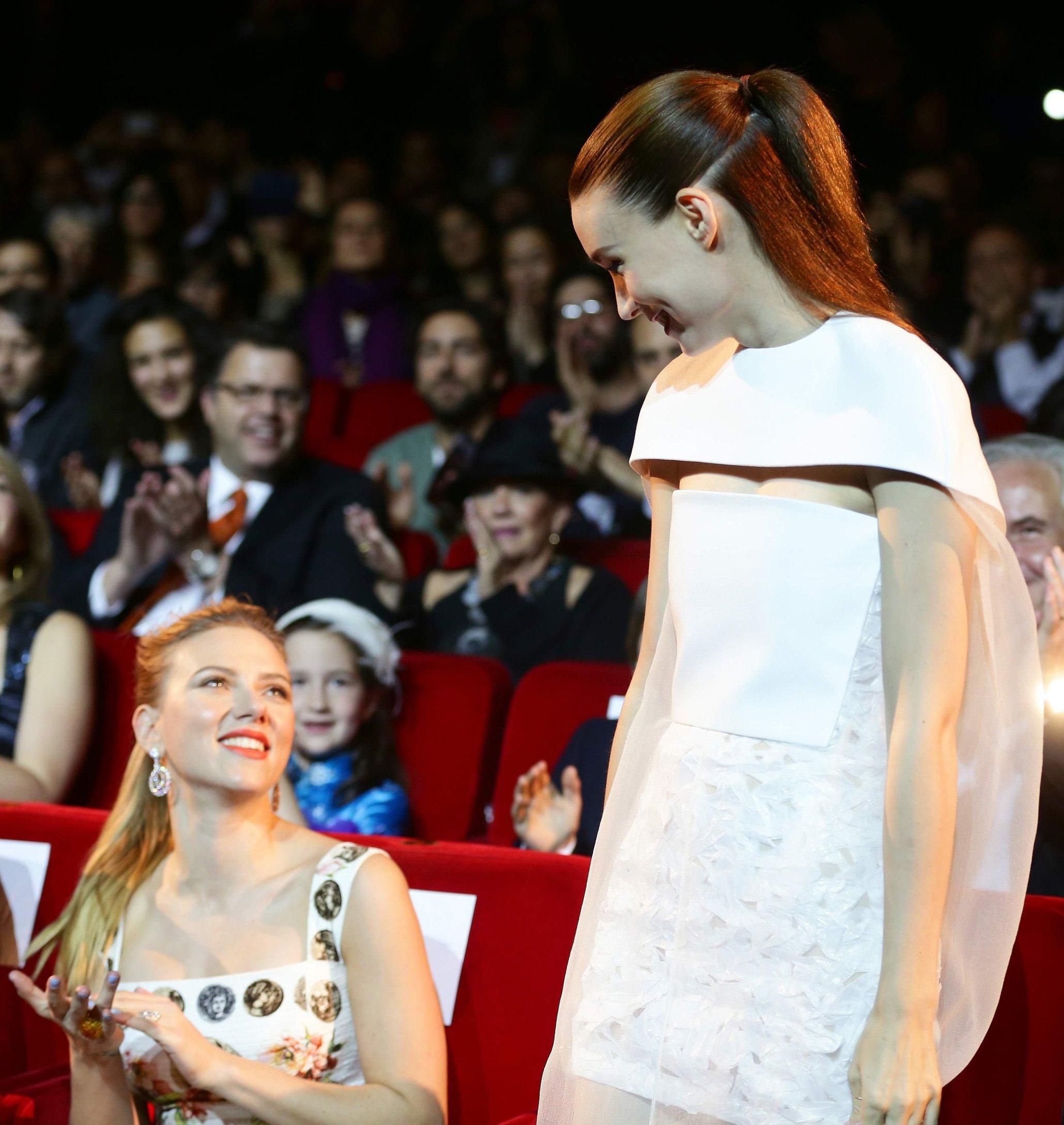 Scarlett Johansson Pictures. Scarlett Johansson premiere ...
