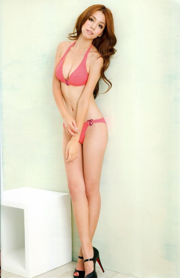Tia Li in a bikini