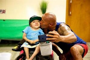 "Dwayne ""The Rock"" Johnson Proves Once Again How He Loves His Family and Fans"
