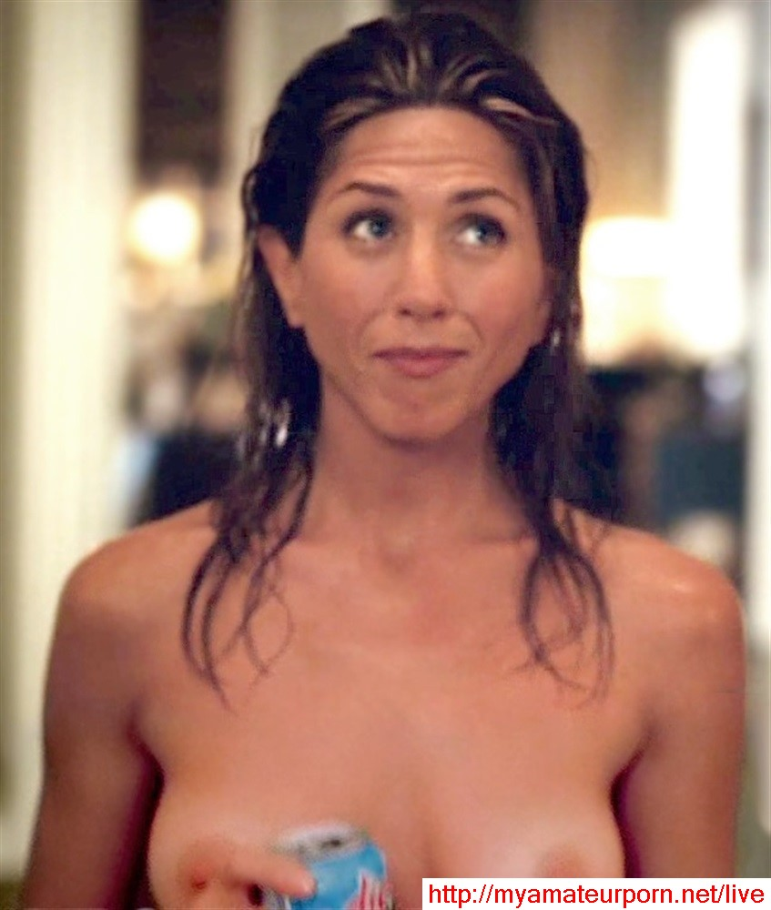 Jennifer Aniston - breasts