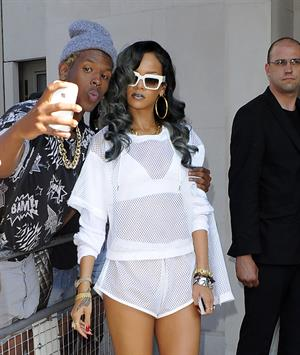 Rihanna - Arrives at her concert in the LG Arena Birmingham in Birmingham (16.07.2013)