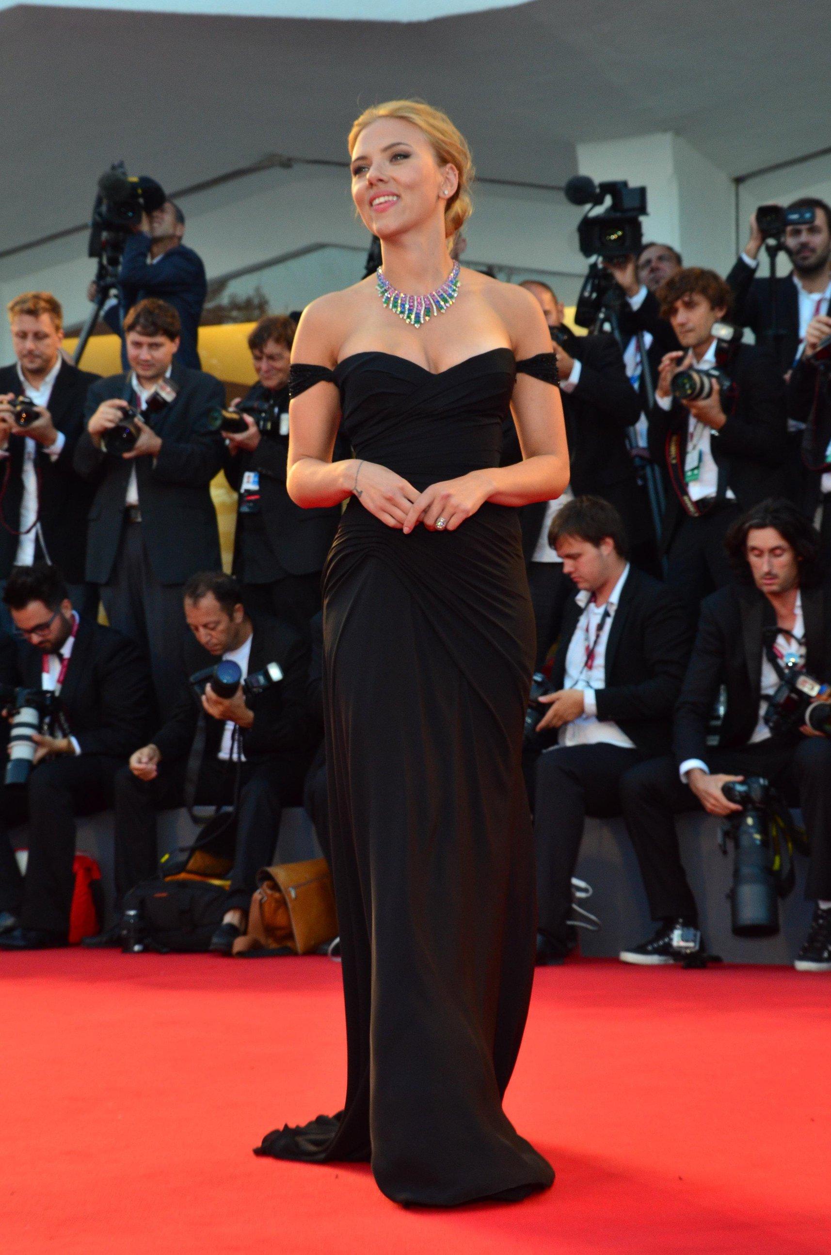 Scarlett Johansson Under The Skin Premiere In Venice 9313 Unrated-9912