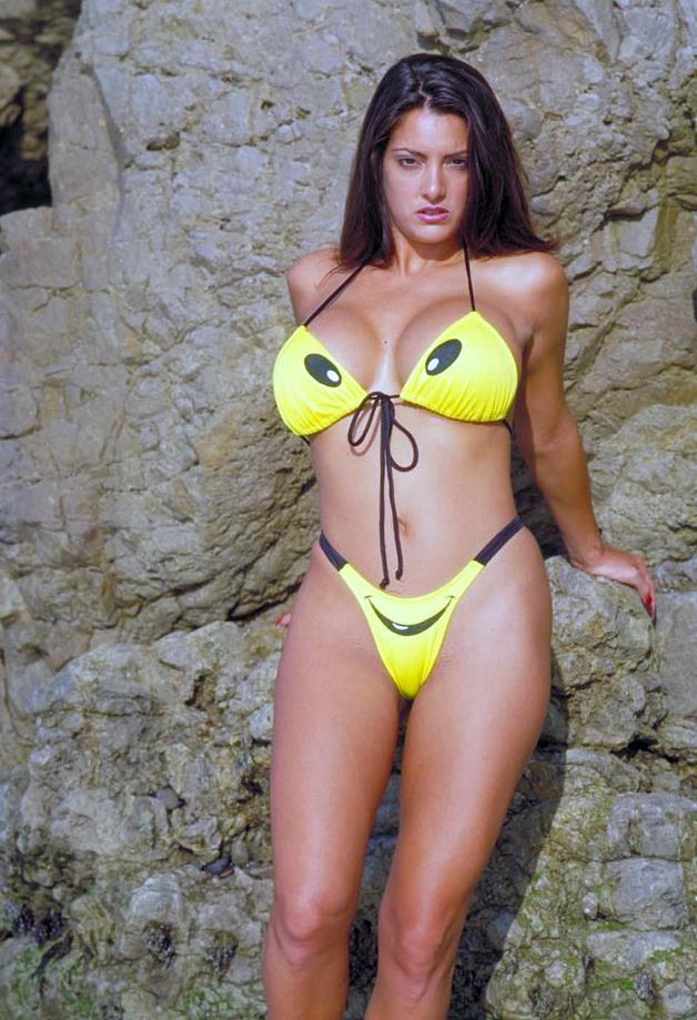 Linda kozlowski sexy pic