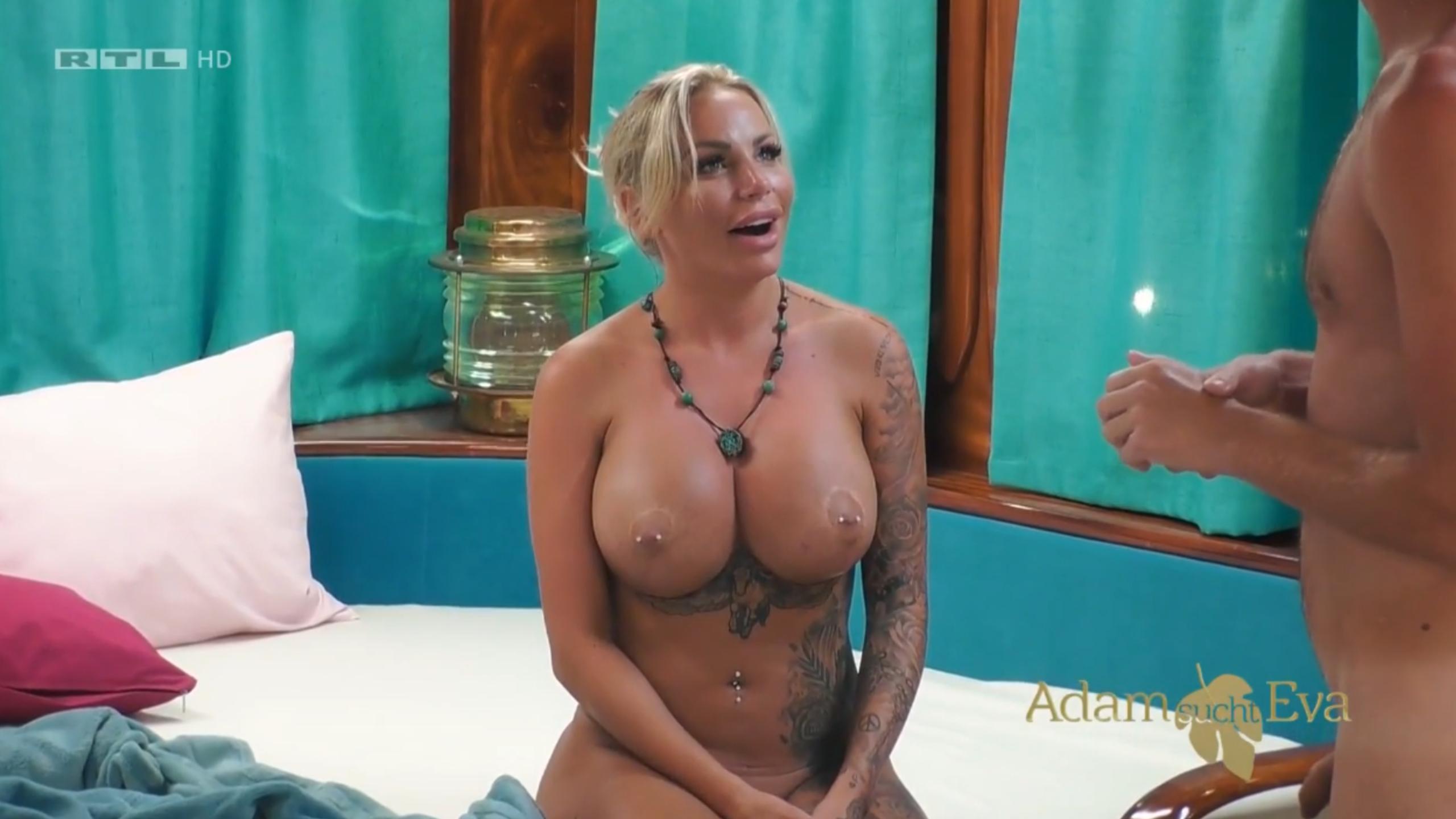 Nudes gina lisa Gina Kirschenheiter's