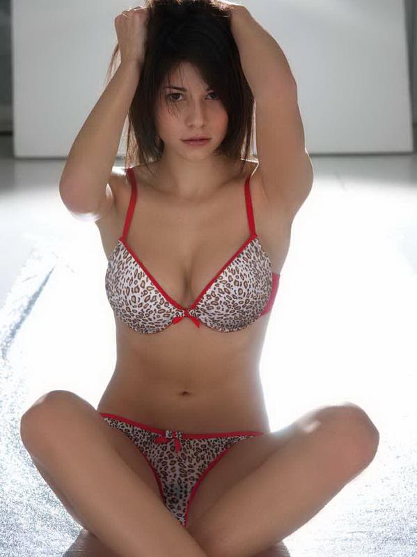 Sarah Galimberti in lingerie