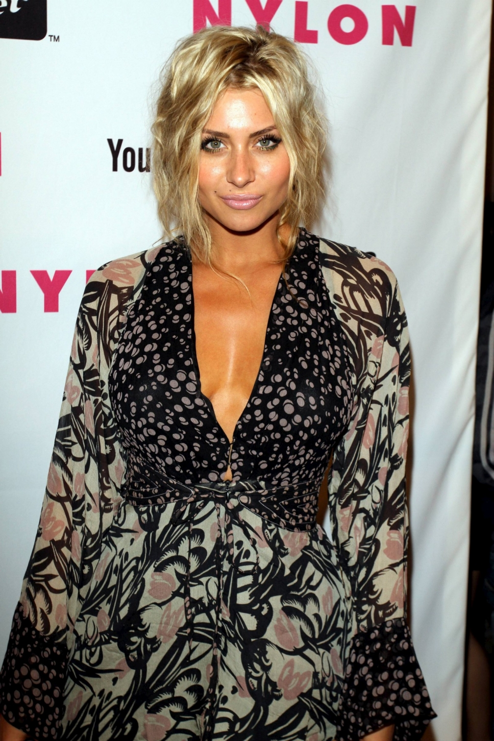 Aly Michalka Naked Pictures aly michalka nude - 2 pictures: rating 8.55/10