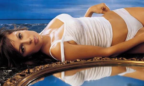 Elena Anaya in lingerie