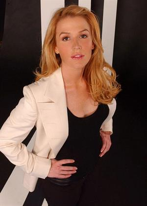 Poppy Montgomery Nude 3 Pictures Rating 86310