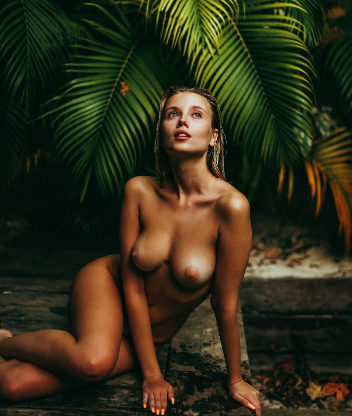 Nude polina Paulina Porizkova