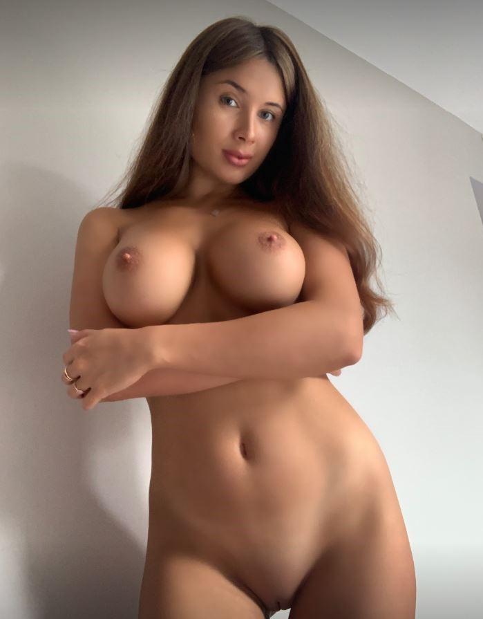 Sophie Rose Nude