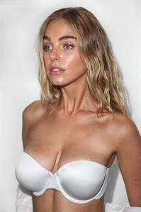 Elizabeth Turner tits