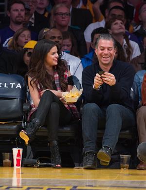 Selena Gomez at Lakers vs Kings game 3/17/13