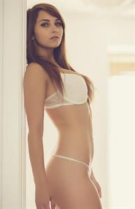 Nikita Klæstrup in lingerie