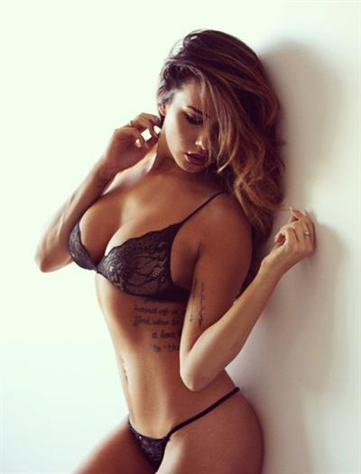 Mariah Longo in lingerie