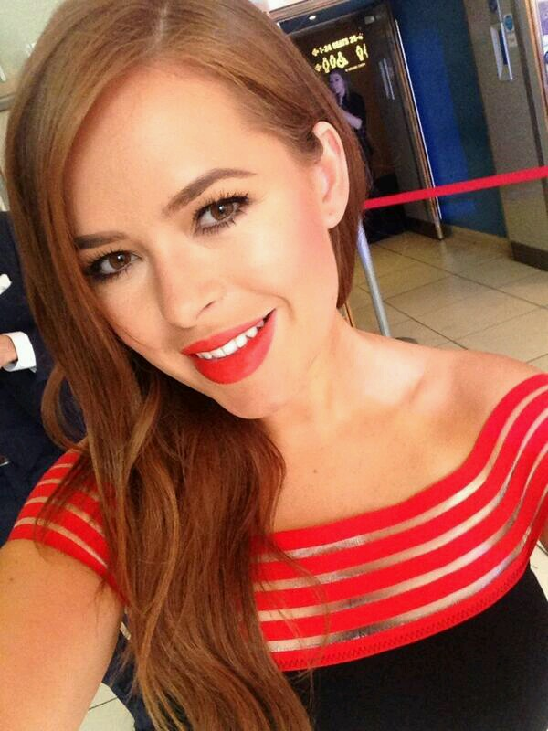Tanya Burr taking a selfie