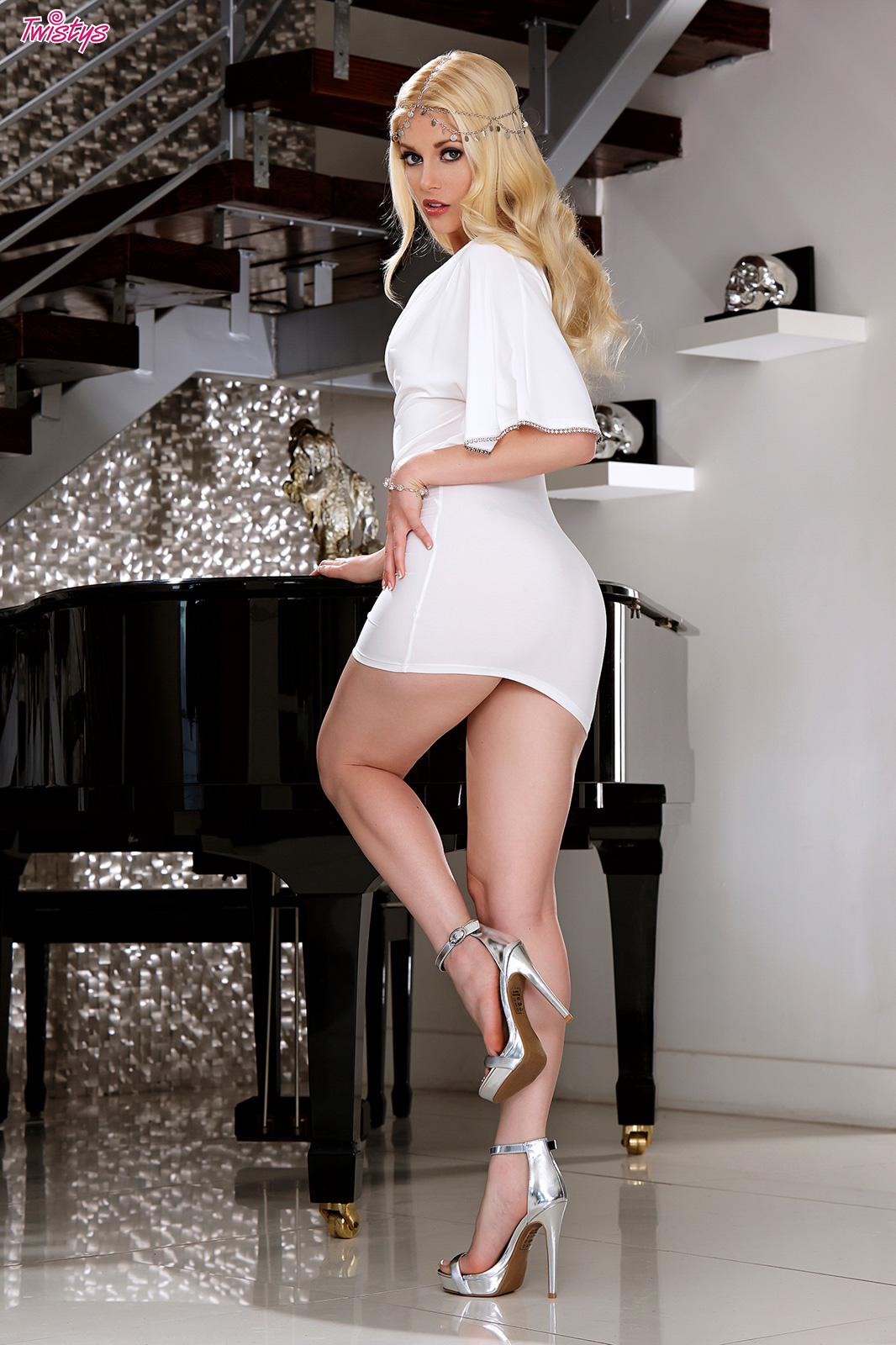 Musical Muse.. featuring Charlotte Stokely | Twistys.com
